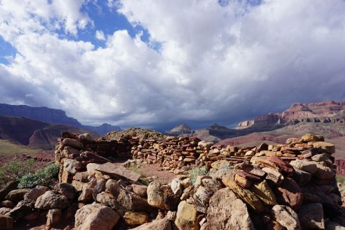 Weather coming in west of Hilltop Ruin